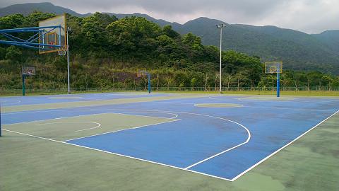 室外籃球場